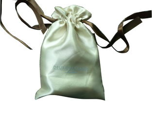 China Deux Beige Shing Satin Ribbon Drawstrings Bag, Fabric Carrier Bags 2 Side Printing supplier